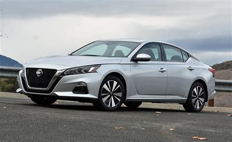 ratings  review  nissan altima awd ny daily news