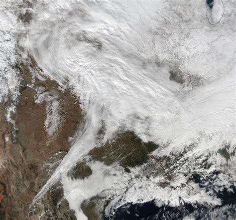 as 205 se ve la tormenta jonas desde el espacio video estados la tormenta de nieve jonas en eeuu vista desde el