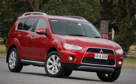 mitsubishi outlander road 2010 mitsubishi outlander vrx road test review