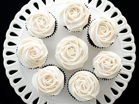 como se hace merengue para decorar huevos de pascua c 243 mo hacer buttercream o crema de mantequilla