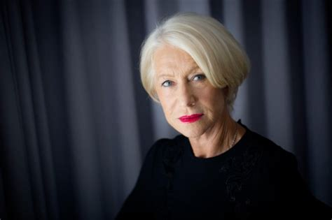 Did You Helen Mirren Carried Around 250000 At The Oscars by Helen Mirren Says Putting Their Arms Around