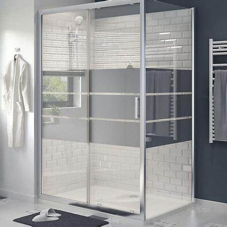bathrooms showering b q