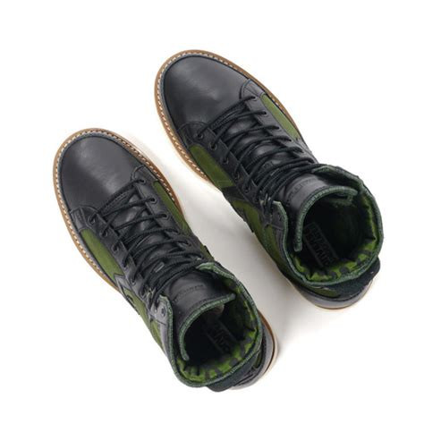 Sepatu Converse X Undefeated undefeated x converse pro field hi available now