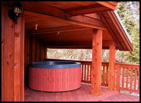 Ucluelet Accommodation Cabins by Ucluelet Cabins Cottages Uclulet Uculet Halfmoon Hideaway Log Cabin Uclulet Uculet