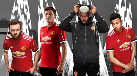 libro manchester united official 2018 maglie manchester united 2017 2018 home away e third
