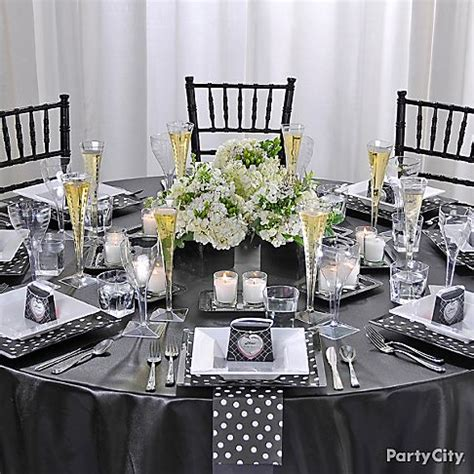 bridal shower round table decoration ideas round table setting ideas tips need some new and creative