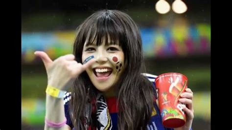 no polite japanese please get closer to gyaru culture at 10sion in shibuya japanese kawaii cute japanese girls football fans in world cup 2014 brazil youtube