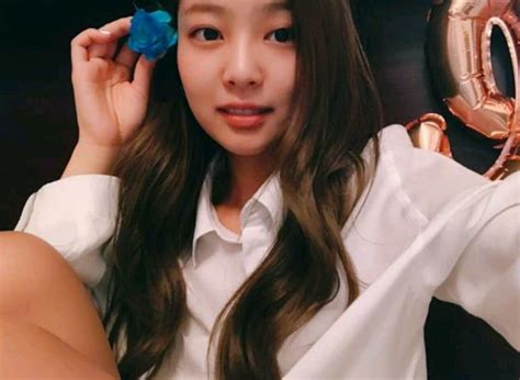blackpink without makeup blackpink jennie spotted in public with zero makeup on