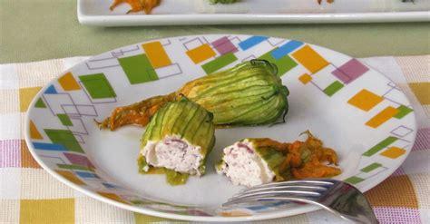fiori di zucca ripieni vegetariani fiori di zucca ripieni al forno ricetta il chicco di mais
