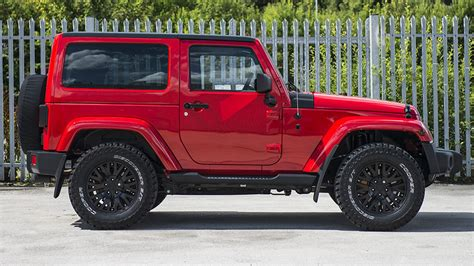 kahn jeep kahn and chelsea truck company reveal the jeep wrangler