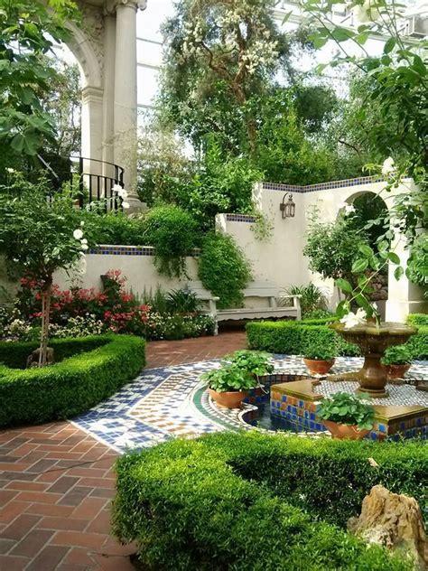 spanish courtyard designs best 25 spanish courtyard ideas on pinterest