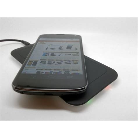buy nexus 4 charger nexus 4 qi wireless charger available from gadgets4geeks