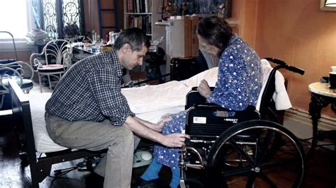 Transfer Bed To Chair by Patient Transfer Bed To Wheelchair