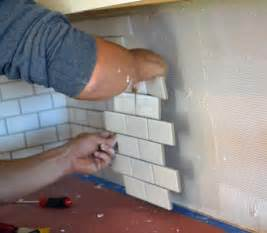 How To Install Subway Tile Kitchen Backsplash Subway Tile Backsplash Install Diy Builds Reno Repairs Pintere
