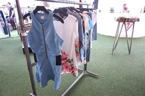 New Collection Gues Arista 3 In 1 guess launches summer clothing collection the junkee