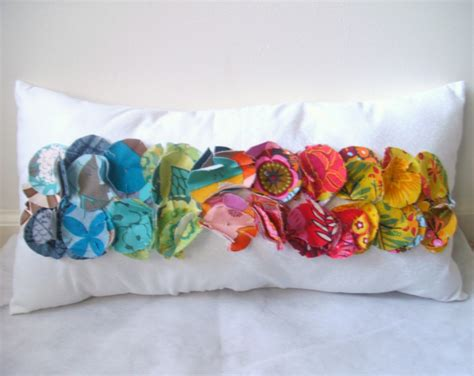 fabric crafts pillows 25 things to do with fabric scraps