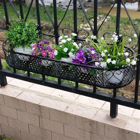 fioriere in ferro per balconi fioriere in ferro battuto fioriere e vasi vantaggi