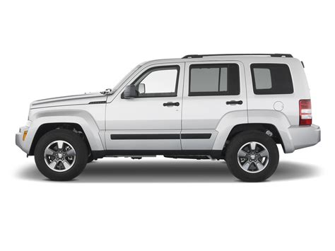 Jeep Liberty Competitors 2011 Jeep Liberty Reviews And Rating Motor Trend