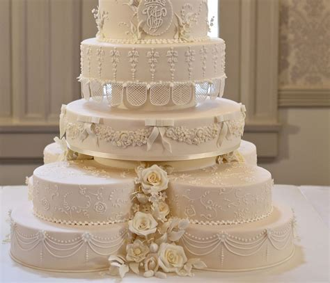 Best Places For Wedding Cakes In Tampa Bay ? CBS Tampa