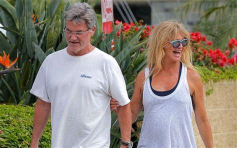 goldie hawn wiki goldie hawn bio death daughter husband plastic