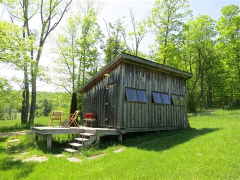 small cabin  vacations