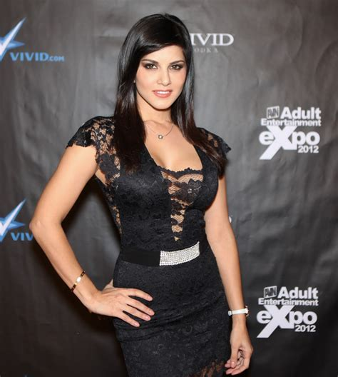 awn awards sunny leone at avn awards 2012 exclusive photos