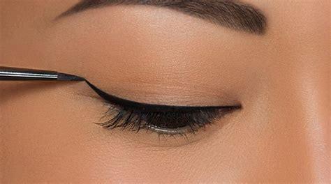 Cara Memakai Eye Liner essential makeup tricks you must makeup tutorials