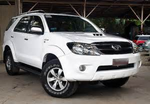 Used Car For Sale Automatic In Philippines Toyota Fortuner G 4 215 4 White Flickr Photo