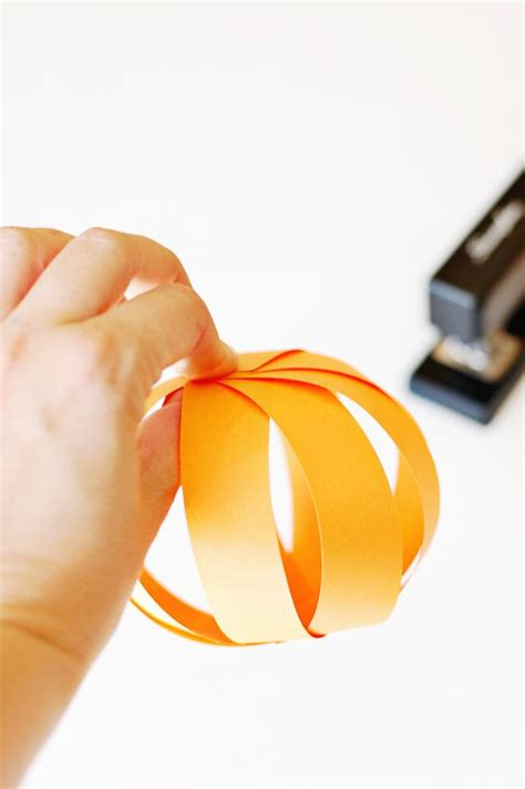 How To Make A Pumpkin With Construction Paper - construction paper pumpkins craft for crafts for