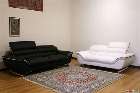 divano bianco in pelle divano moderno bianco in pelle con piedini in acciaio