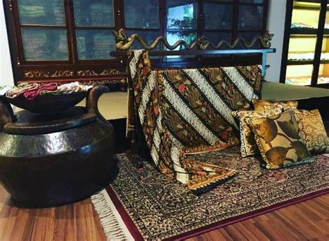 Batik Danar Hadi Diponegoro Surabaya rekomendasi 64 destinasi tempat wisata di dan sekitarnya