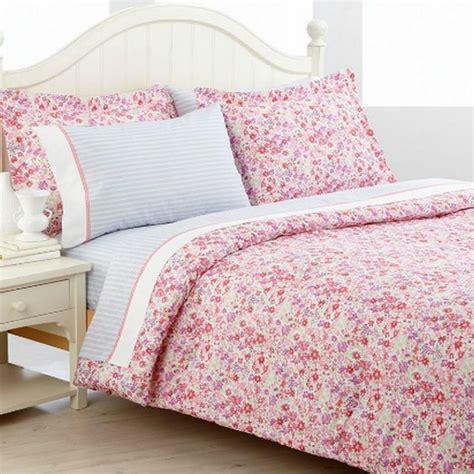 tommy hilfiger comforter set tommy hilfiger sand hill full queen comforter bed in a bag