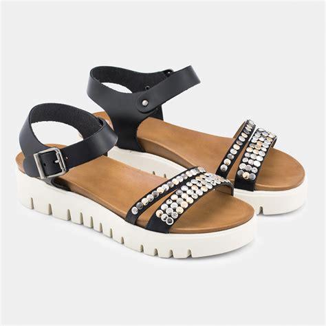 imagenes de sandalias negras con plataforma sandalias de plataforma negras con tachas oriana porronet