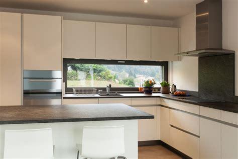 imagenes de cocinas minimalistas blancas cocina minimalista suelo de parquet fotos para que te