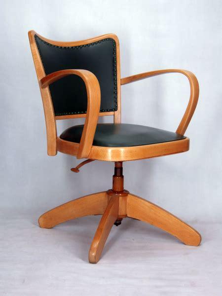 chaise bureau vintage chaise a accoudoirs fauteuil bureau tournant 1950 vintage