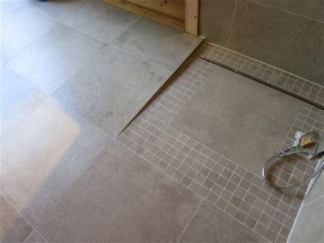fliese taupe barrierefreie dusche badezimmer fliesen bath