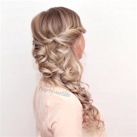 hairstyles with loose curls and braids 12 curly homecoming hairstyles you can show off makeup