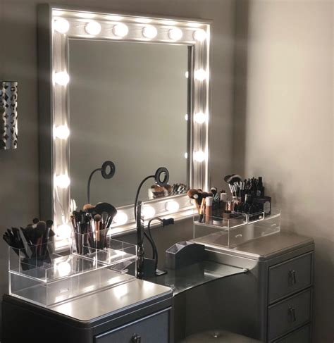 diy hollywood style vanity mirror  bri spot