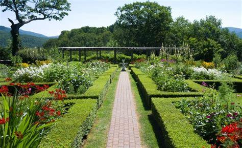 imagenes jardines bonitos pequeños photos america s most beautiful home and garden tours