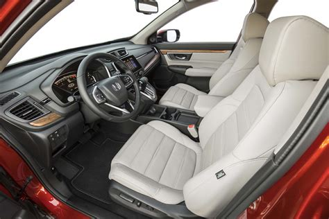 Honda Crv Interior Pictures by 2017 Honda Cr V Front Interior Seats Motor Trend
