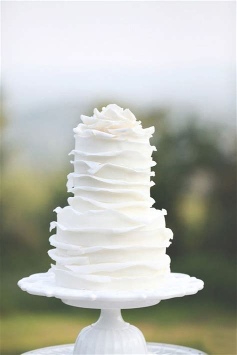 elegant  simple white wedding cakes ideas