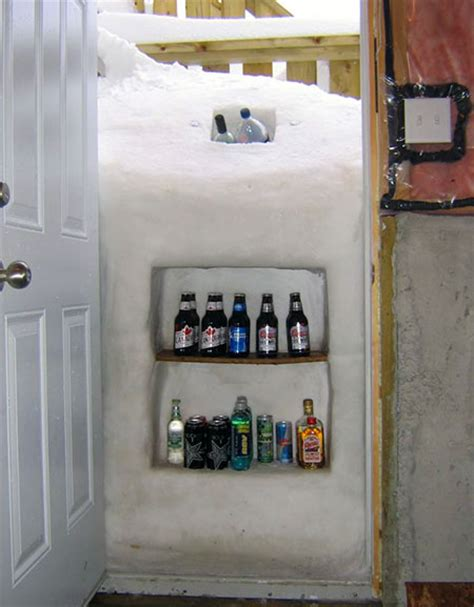 Freezer In Garage Winter by How To Build Your Own Fridge During The Winter Without Any