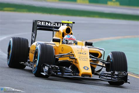 renault f1 renault give the grid some colour f1 colours