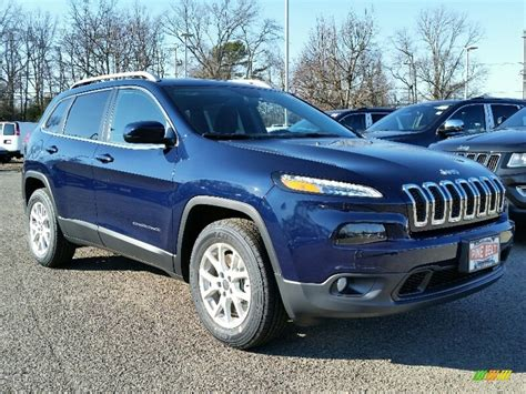 blue jeep grand cherokee 2016 2016 true blue pearl jeep cherokee latitude 4x4 111105711
