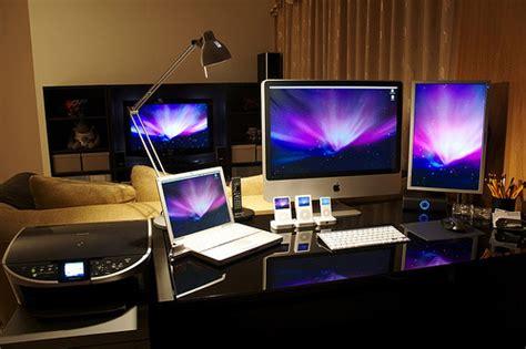 pc mac bureau 50 greatest computer workstation pc mac setups hongkiat