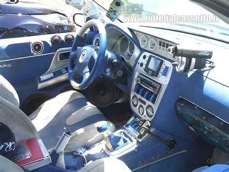 tuning interni auto tuning subaru impreza interni grigio e strumentazione