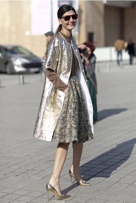 Style Ideas How To Work The Metallic Trench This Second City Style Fashion by Metallic Trend S Style Looks 2018