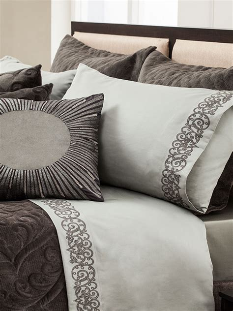 Springbed The Luxe Mattress Reveire Gold 160x200 go luxe with these bedding ensembles from simona architectural design interior design