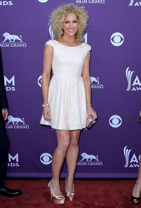 kimberly schlapman kimberly schlapman picture 6 2012 acm awards arrivals