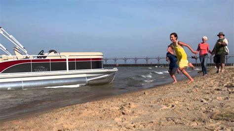 bennington pontoon boats dealers 43 best bennington pontoon boat videos images on pinterest